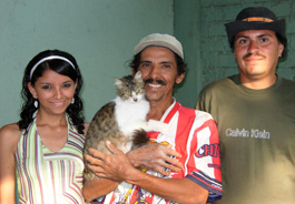 Muneca and family