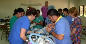 Students monitoring anesthesia